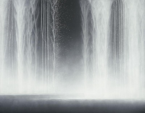 Hiroshi Senju, Waterfall, 2009, Natural pigments on Japanese mulberry paper, 90.9x116.7cm