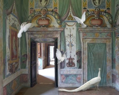 Karen Knorr, Immaculate Conception, Villa D'Este,2015, colour pigment print on Hahnemühle Fine Art Pearl Paper, 31.5 x 39.4 inches/80 x 100 cm
