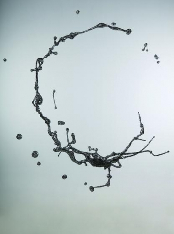 , Water in Dripping #1, 2009, stainless steel, 67 x 63 x 27.6 inches/170 x 160 x 70 cm