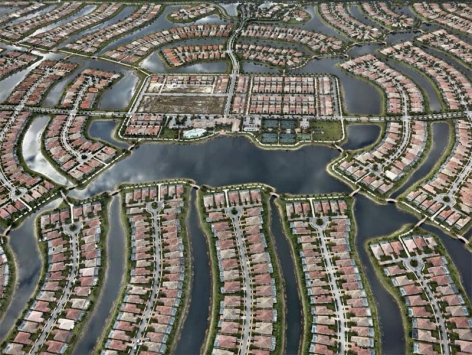 , Edward Burtynsky, Verona Walk, Naples, Florida, USA, 2012, Chromogenic color print, 122 x 162.6 cm, Edition 2/6