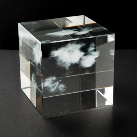 Kumo5.5.5, 2017, glass, 5 x 5 x 5 inches/12.7 x 12.7 x 12.7 cm