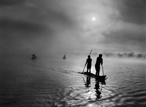 Waura people fishing in the Piulaga Lake. Upper Xingu, Mato Grosso, Brazil, 2005, gelatin silver print, 36 x 50 inches/91.4 x 127 cm © Sebastião Salgado/Amazonas Images