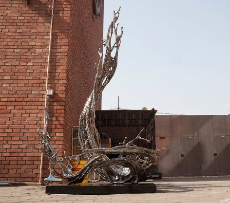 Jin Bo [special edition], 2019, stainless steel, 75.98 x 47.24 x 32.28 inches, 193 x 120 x 82 cm