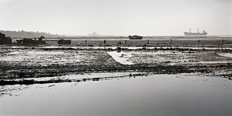 Edward Burtynsky, Shipbreaking #17 Chittagong, Bangladesh 2000, Chromogenic color print, 22.5 x 45 inches