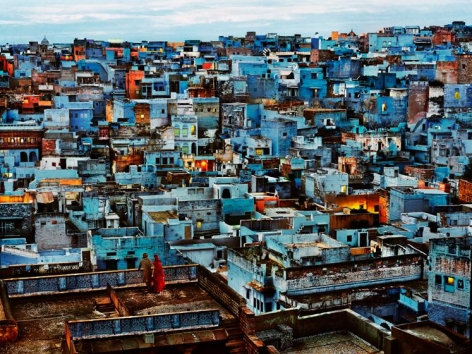 , Steve McCurry, Blue City, Jodhpur, Rajasthan, India, 2010, ultrachrome print, 40 x 60 inches/101.6 x 152.4 cm; © Steve McCurry