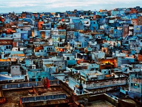 , Steve McCurry, Blue City, Jodhpur, Rajasthan, India, 2010, ultrachrome print, 40 x 60 inches/101.6 x 152.4 cm; © Steve McCurry