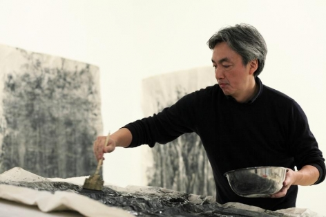 , Hiroshi Senju in his New York studio