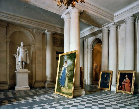 Robert Polidori, Vestibule, (73) AMI.01.009, Salles Empire, Aile du Midi - R.d.C, Château de Versailles, France, 1985, archival pigment inkjet print, 40 x 50 inches. © Robert Polidori