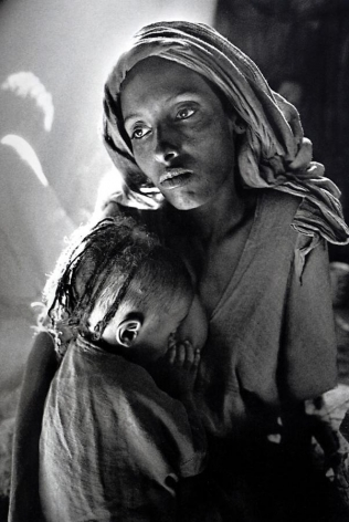 Sebastião Salgado, Children's Ward in the Korem Refugee Camp [mother and child], 1984, gelatin silver print, 20 x 24 inches