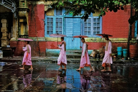 Steve McCurry, Procession of Nuns, Rangoon, 1994, ultrachrome print, 40 x 60 inches/101.6 x 152.4 cm; © Steve McCurry