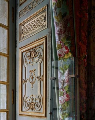 Robert Polidori, Boiserie and curtains, Chambre de la Reine, (115) CCE.02.029, Corps Central - 1er étage, Château de Versailles, France, 2007, Archival Pigment Inkjet Print, 72 x 60 inches. Photograph © Robert Polidori