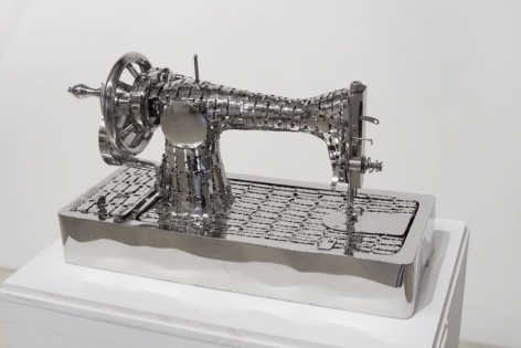 Recallin 3, 2014, stainless steel razor blades, 11 x 9.1 x 21.3 inches/28 x 23 x 54 cm