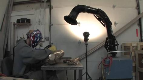 Le sculpteur Roger Reutimann