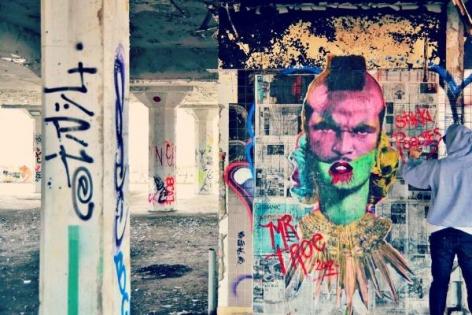 Stikki Peaches Street Art