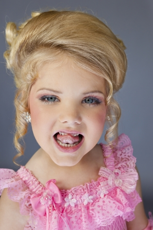 "Pageant winner and ""Toddlers and Tiaras"" star Eden Wood, 6, Los Angeles, 2011, 40 x 26 3/4 Inches, Archival Pigment Print, Combined Edition of 25"