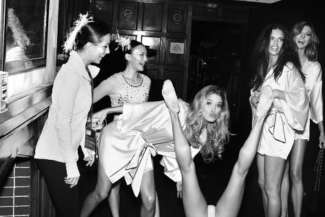 Backstage, Doutzen, Adriana, Karlie, New York, 2012,
