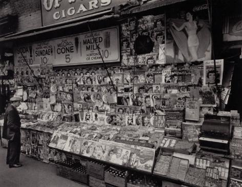 Newsstand, New York, 1935