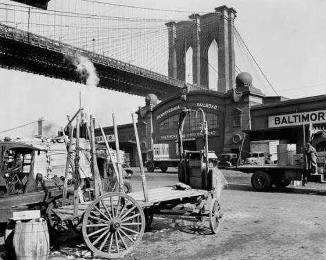 Brooklyn Bridge with Pier 21, New York, 1937