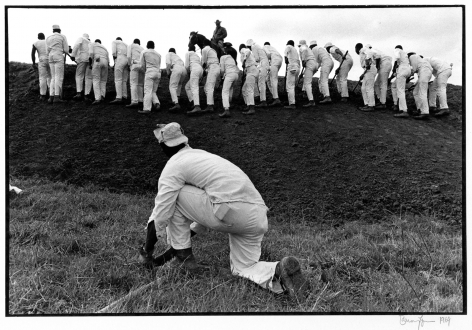 Copyright Danny Lyon / Magnum Photos, Hoe Sharpener and the Line, Ferguson Unit, Texas Department of Corrections, from Conversations with the Dead, 1969