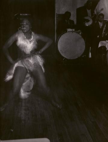 Brassaï, Gisèle a La Boule Blanche, Montparnasse, Paris, c. 1932