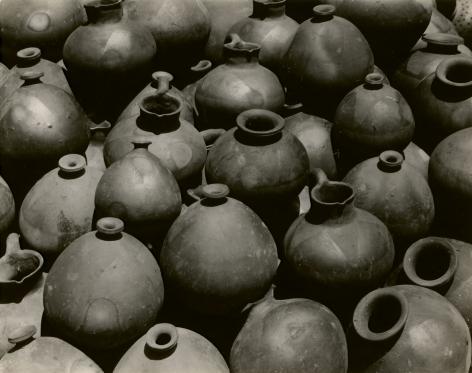 Edward Weston, Heaped Black Ollas, Oaxaca, 1926