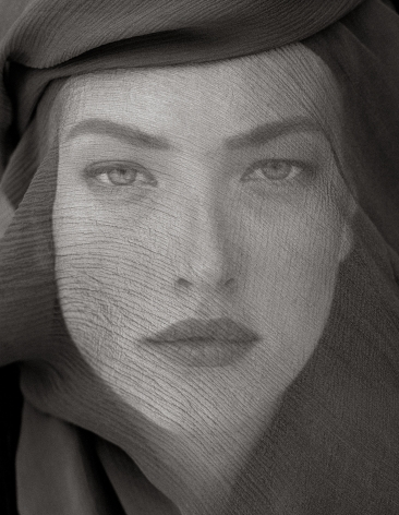 Herb Ritts, Tatjana Veiled Head, Joshua Tree