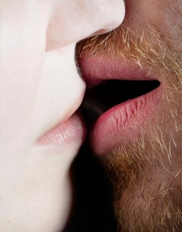 elinor carucci, kiss