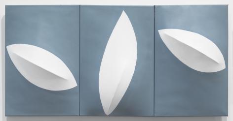 Zilia Sánchez El silencio de la brisa, 2018 Acrylic on stretched canvas 18 x 36 x 5 inches (45.7 x 91.4 x 12.7 cm) (GL12739)