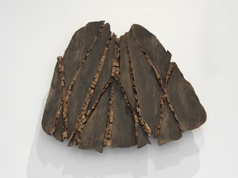 Ursula von Rydingsvard Fan with Shims II, 2019 Cedar and graphite 31 x 40 x 6 in (78.7 x 101.6 x 15.2 cm) (GL14937)