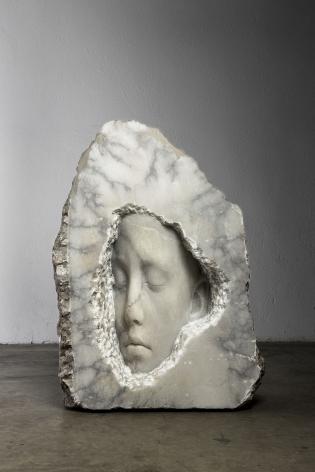 Jaume Plensa HORTENSIA (nest), 2021 Alabaster 58 5/8 x 45 1/4 x 20 1/2 in (149 x 115 x 52 cm) 1076 kg (GL15062)