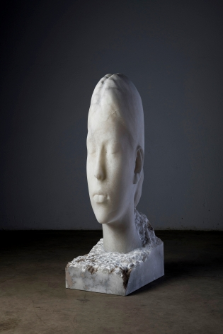 Jaume Plensa FLORA II, 2021 Alabaster 53 1/8 x 16 1/8 x 22 1/8 in (135 x 41 x 56 cm) 370 kg (GL15066)
