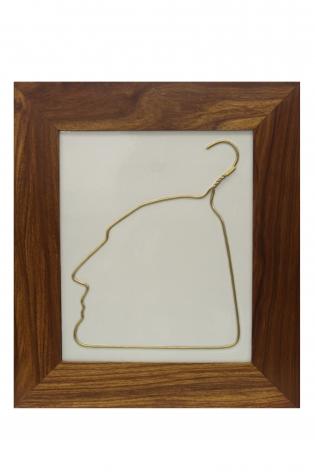 Hanging Man (Gold)è¡£æž¶äºº(金)2009Gold, porcelain and Huali woodé‡'、瓷、花梨木19 5/8 x 17 1/4 in (50 x 44 cm)