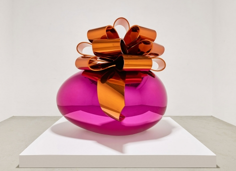 Jeff Koons (b. 1955), Smooth Egg with Bow (Magenta/Orange), 1994-2009