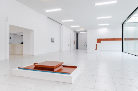 Riding a Saddle Roof. Installation view, 2012. Museum Dhondt-Dhaenens, Deurle, Belgium. Photo: Henk Schoenmaekers.