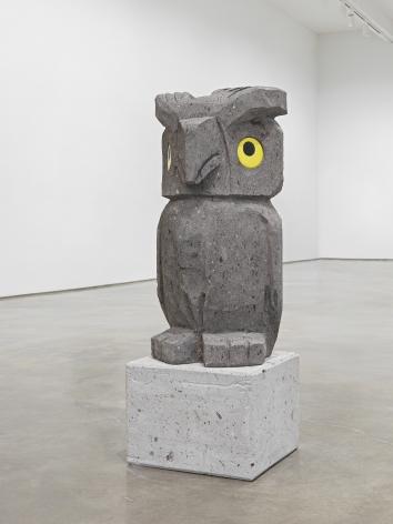 Olaf Breuning sculpture 'Sad and worried animals / Owl'