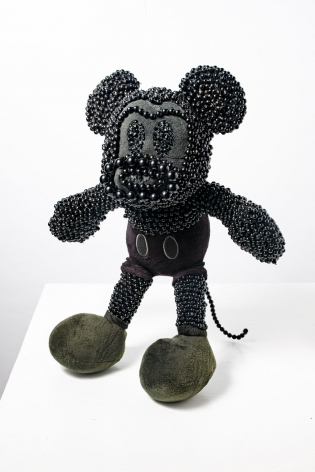 Kenya (Robinson) sculpture 'Monkey Mouse'
