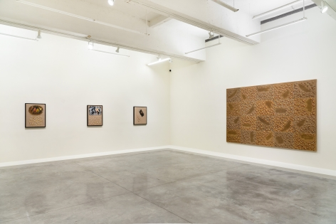 Installation view of The Stillness of Water by Kim Tschang-Yeul at Tina Kim Gallery, 9 Sep - 16 Oct 2021.Image courtesy of the artist's estate and Tina Kim Gallery. Photo © Hyunjung Rhee