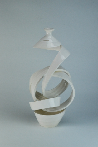 Ceramic vase sculpture by Michael Boroniec tilted Spatial Spiral: Knot VIII, 2019, Ceramic with white glaze measuring 16.5 x 7.5 x 7.5 inches