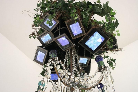 NAM JUNE PAIK, Videochandelier X