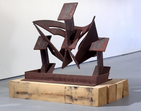 , MARK DI SUVERO,Kabuki, 1986,Steel, 59 1/2 x 60 1/2 x 34 1/2 in. (151.1 x 153.7 x 87.6 cm)