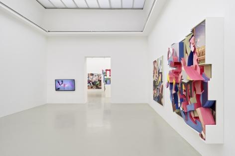 Installation view, Pieter Schoolwerth: No Body Get a Head, Kunstverein Hannover, 2021
