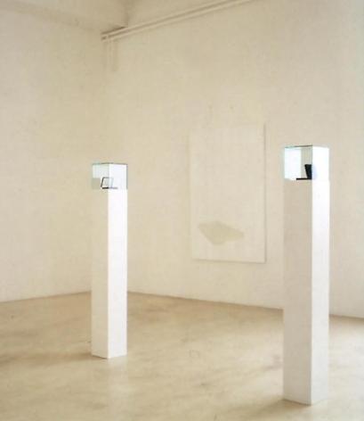 Haberdashery 2002 2 sets of silver cufflinks, satin and velvet box, 2 pedestals