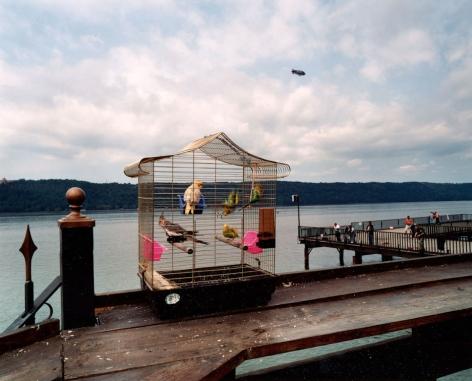 Len Jenshel, Tubby Hook Cafe, Dyckman Street Pier, (Manhattan), 2004