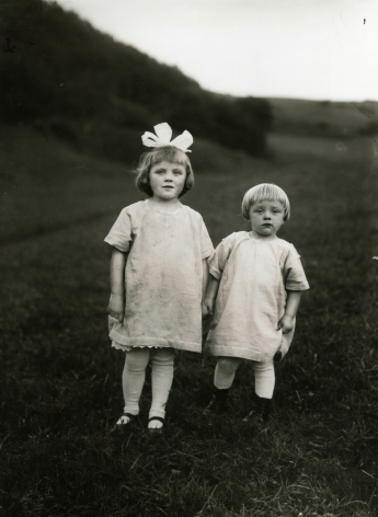August Sander, Farm Children