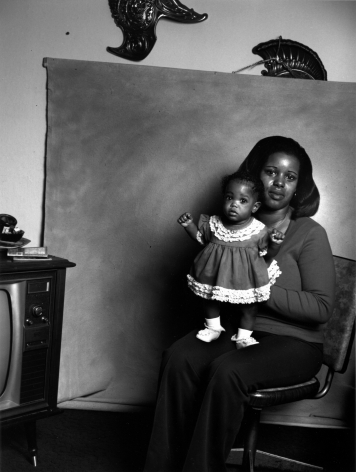 Leon Borensztein, Black Mother with Baby Girl, 1979