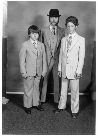 Leon Borensztein, Father with Two Sons, Santa Rosa, California, 1979-1989