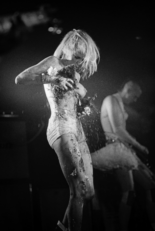 Michael Grecco, Wendy O. Williams naked on stage, 1980