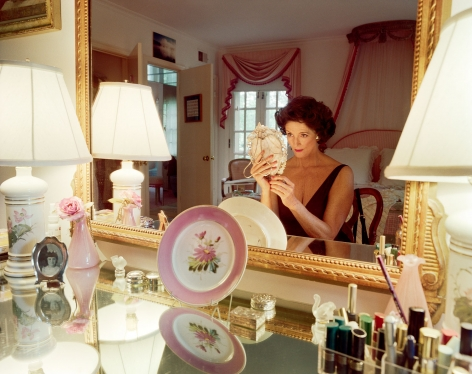 Sage Sohier, Mum applying make-up, Washington D.C., 1994