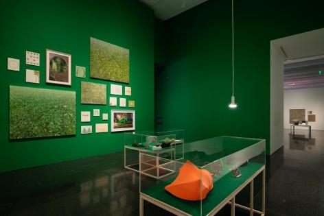 Barcelona Museum of Contemporary Art (MACBA), 2018. Farsa y Artificio Installation view.