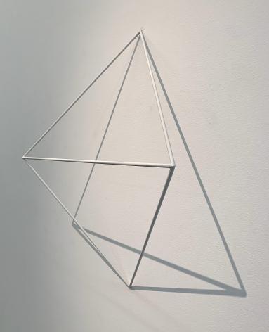 Sérvulo Esmeraldo, Untitled Prism, 2007/2013. Carbon steel rod, flat white paint, 25 x 29 x 10 in. (63.5 x 73.6 x 25.4 cm.)